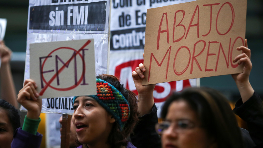 ¿Defender la dolarización o privatizar el Banco Central? Las 5 claves de una polémica ley aprobada en Ecuador ante la insistencia de Lenín Moreno