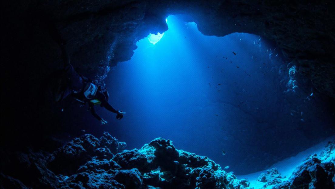 Un ingeniero bate el récord de profundidad de España al descender en submarino a la fosa de las Marianas