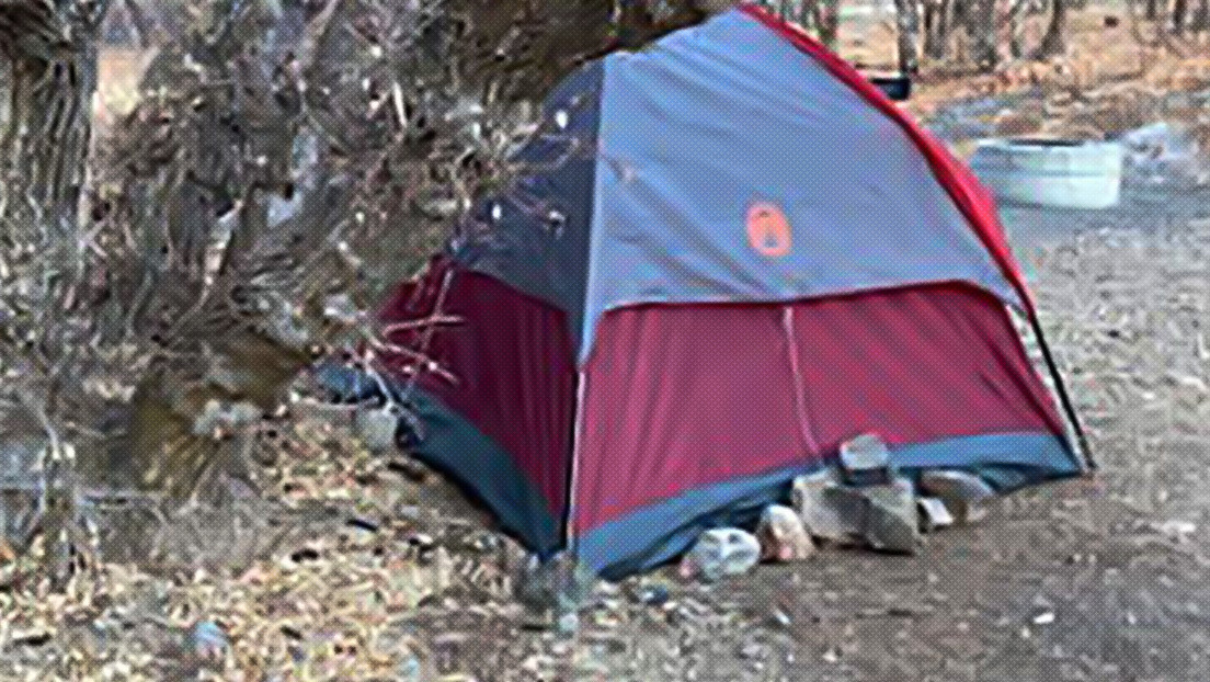 Encuentran en un cañón de Utah a una mujer desaparecida desde noviembre pasado que vivió en una carpa y se alimentó de hierba y musgos