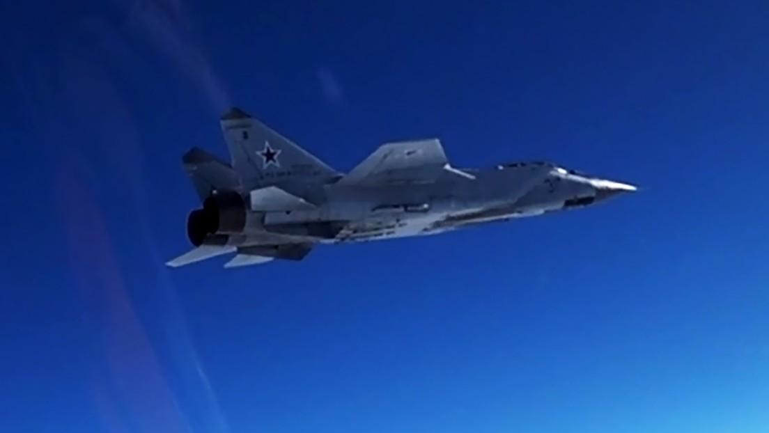 """Un MiG-31 ruso despega para """"impedir la violación de la frontera"""" por parte de un avión de reconocimiento de EE.UU. sobre el mar de Chukotka"""