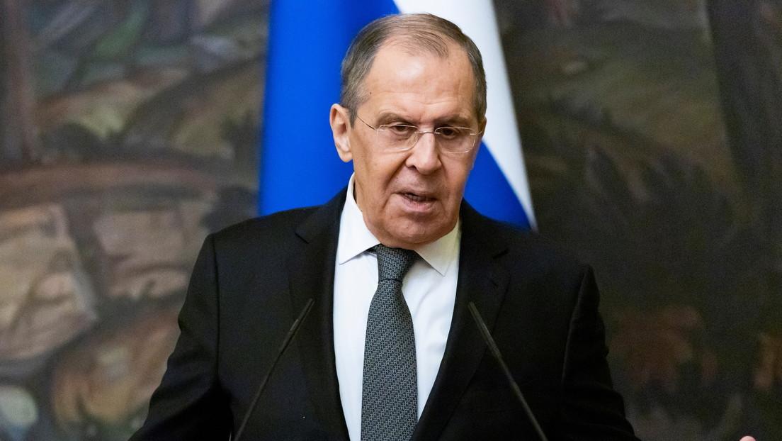 """Lavrov advierte que amenazando con nuevas sanciones contra Rusia la UE """"comienza a sufrir una manía de impunidad"""""""