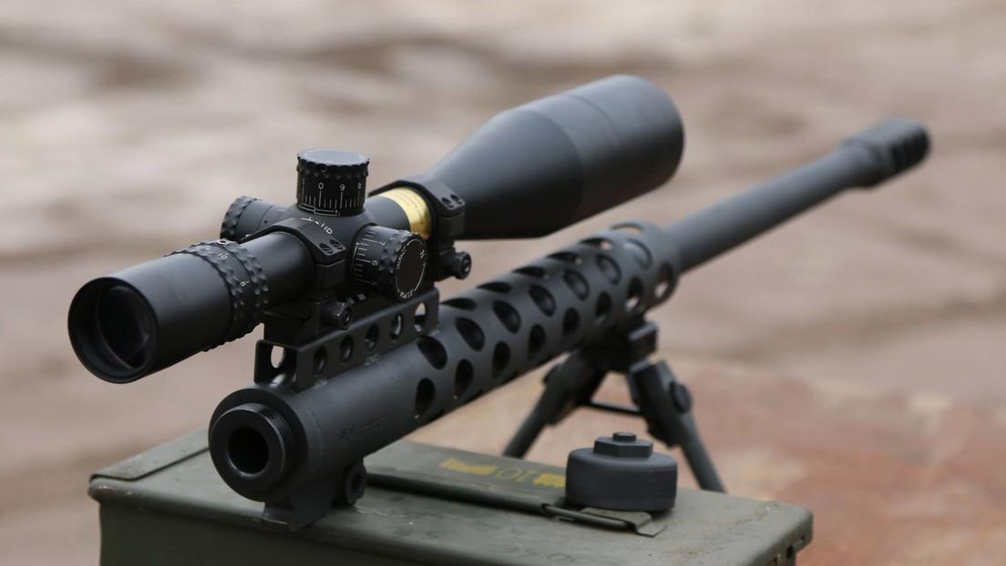 Un rifle de gran calibre explota en la cara de un 'youtuber' y una pieza de metal le atraviesa el cuello (VIDEO)