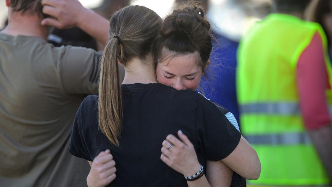Alumna de sexto grado lleva en EE.UU. un arma a su escuela y hiere a tres personas antes de ser detenida por una maestra