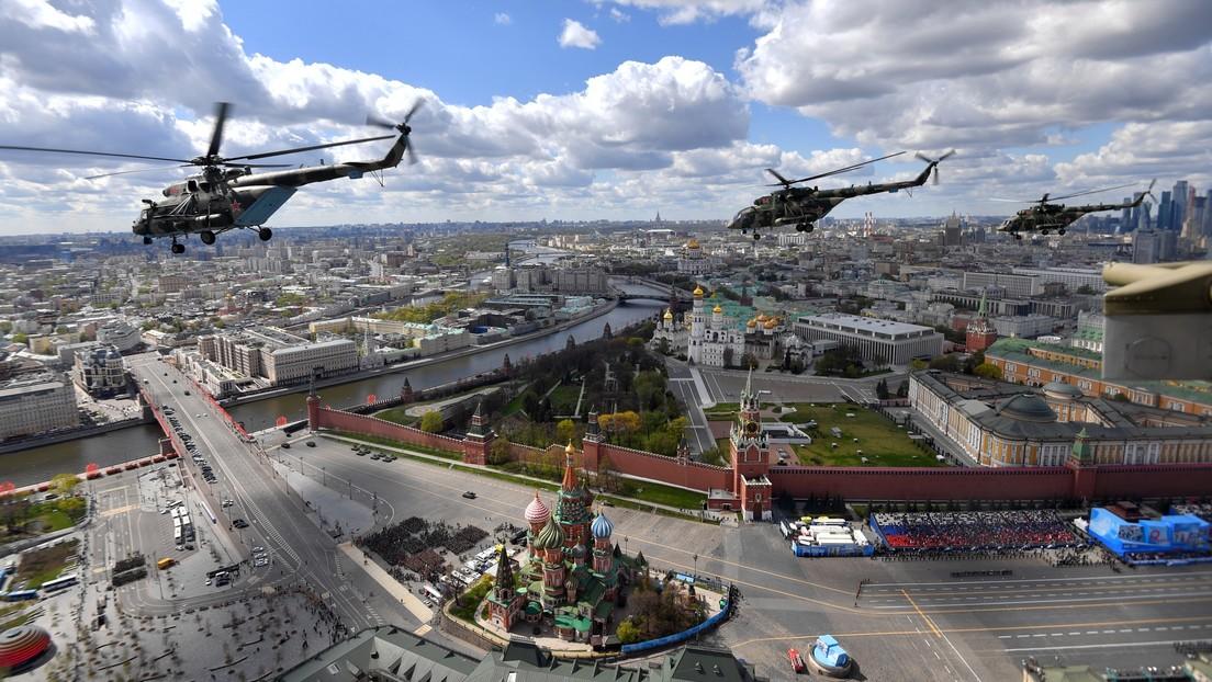 VIDEO: El ensayo general del gran desfile por el Día de la Victoria a bordo de un helicóptero Mi-8