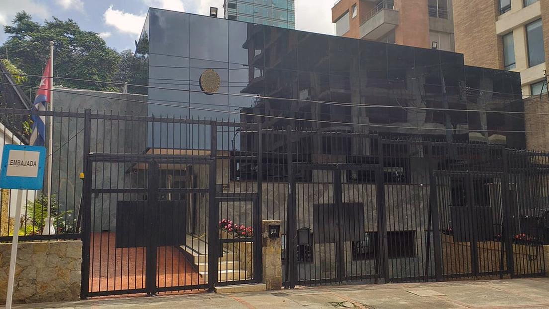 """Colombia expulsa a un diplomático cubano por """"actividades incompatibles"""" y La Habana responde con una """"enérgica protesta"""""""