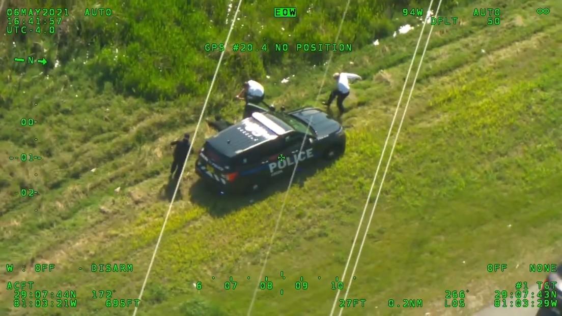 Intensa persecución en EE.UU.: un hombre roba una patrulla de Policía y cuando intentan capturarlo se fuga en un segundo auto policial (VIDEO)