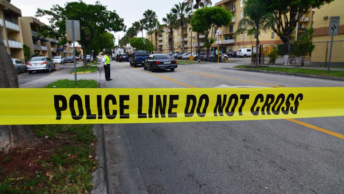 Tres personas resultan heridas en un tiroteo en un centro comercial de Florida (VIDEOS)