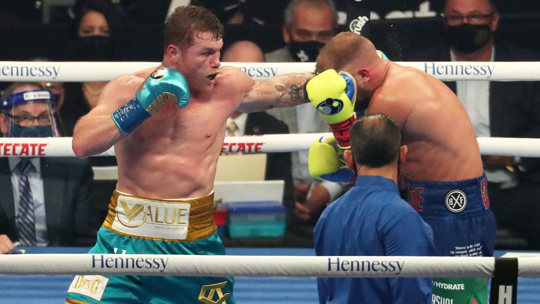 Fin al invicto: Saunders pierde ante 'Canelo' Álvarez el combate por la unificación de los cinturones de peso supermediano