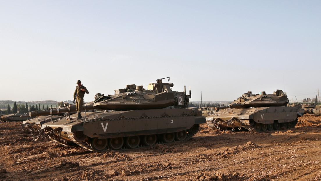 Los tanques israelíes atacan los puestos militares de Hamás en Gaza en respuesta a lanzamientos de cohetes