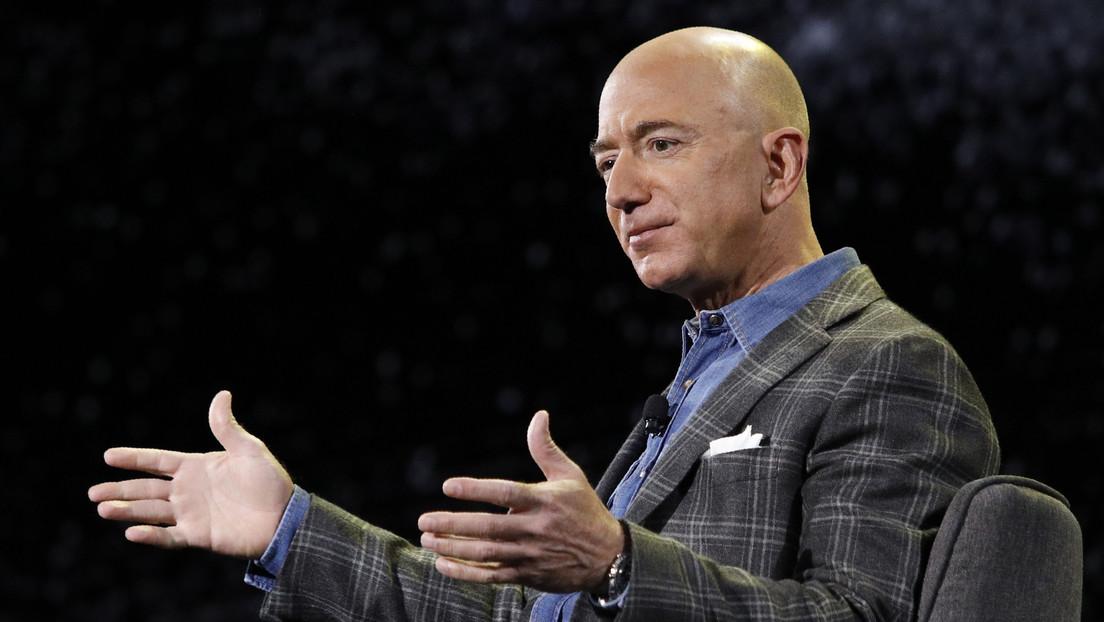 Jeff Bezos encarga un superyate de 500 millones de dólares que será más grande que un campo de fútbol