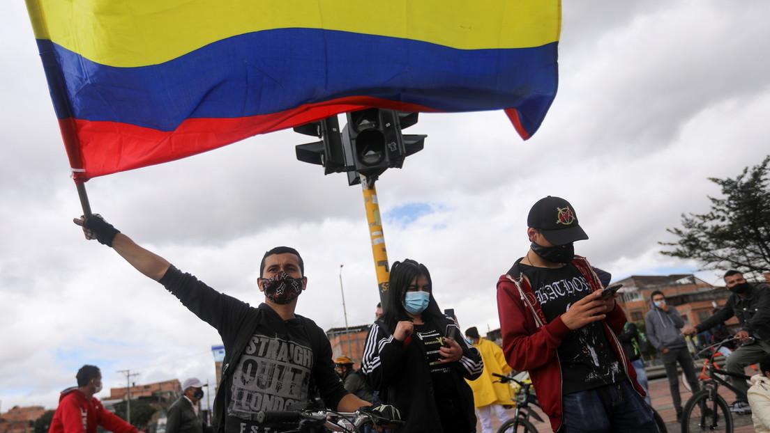 """""""Nos están callando a la fuerza por buscar un mejor futuro para Colombia"""": Pereira se moviliza en medio del temor a los abusos policiales"""