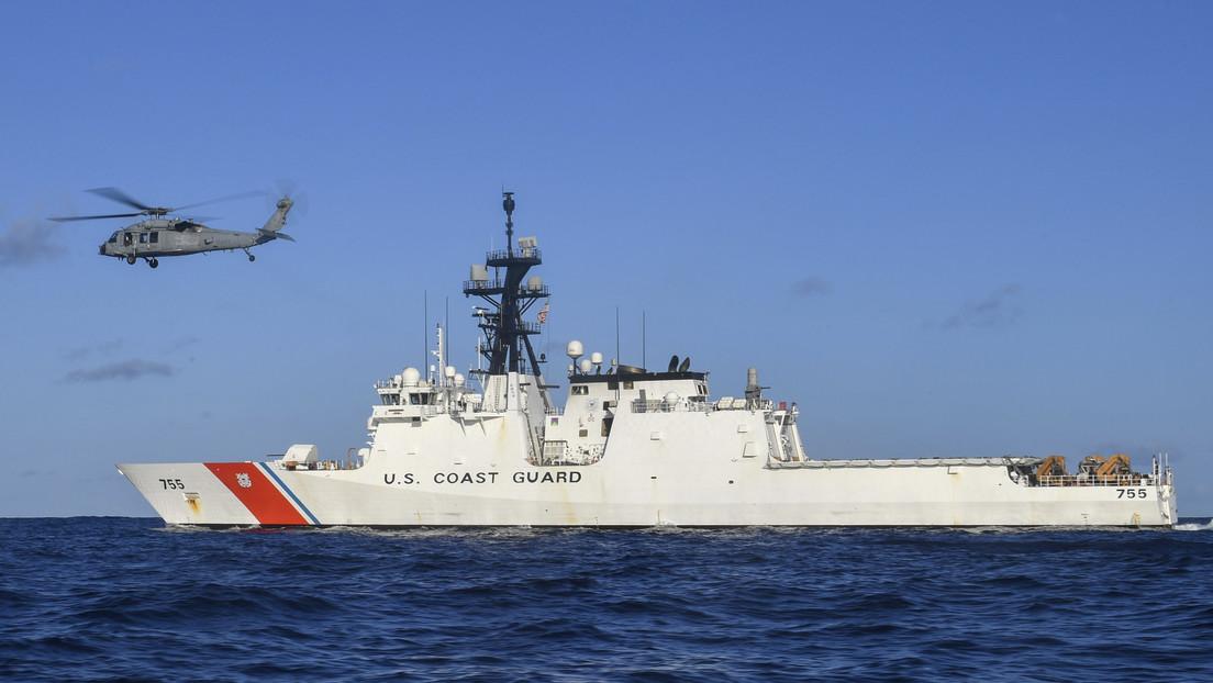 """Irán acusa al barco de EE.UU. de """"provocación"""" por los disparos de advertencia"""