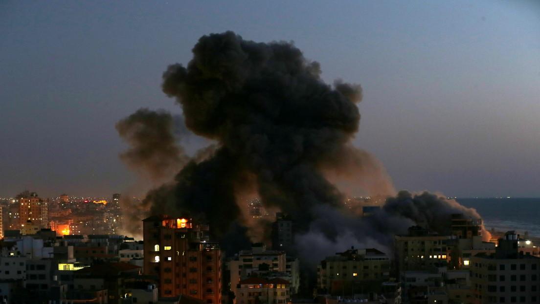 VIDEO: Un edificio de 13 pisos colapsa en Gaza tras un ataque aéreo israelí