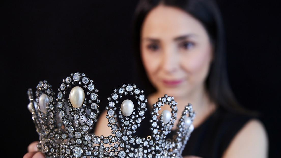 Subastan una tiara real italiana por más de 1,6 millones de dólares