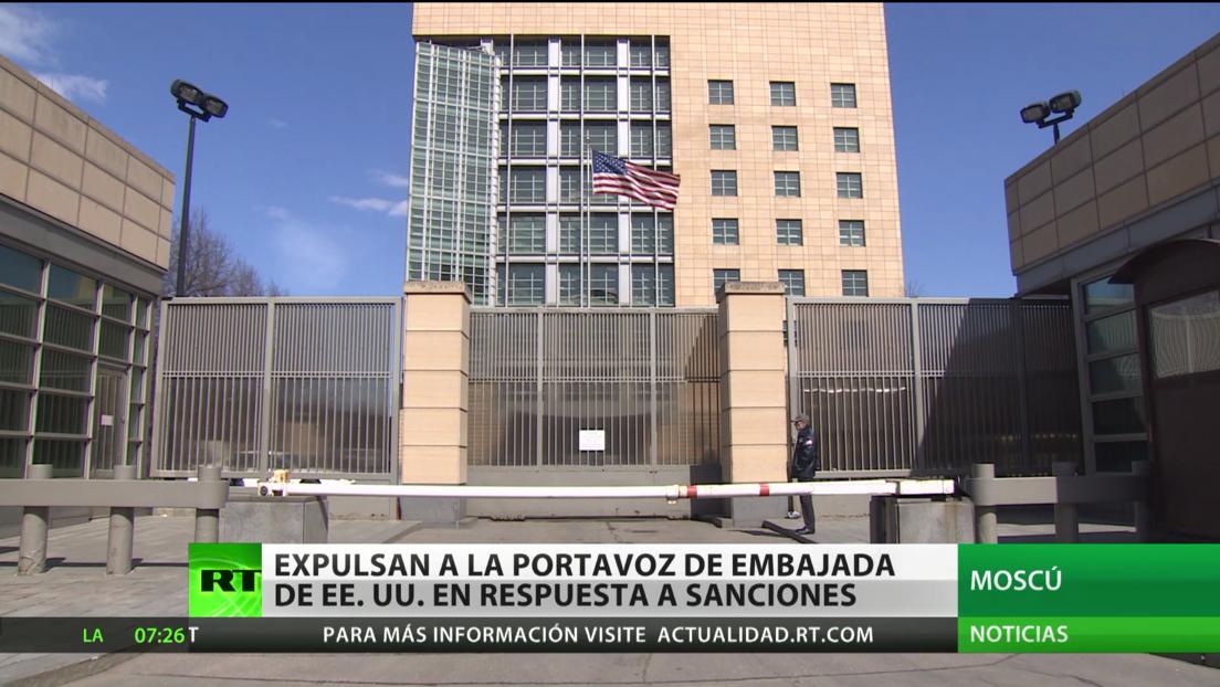 Rusia expulsa a la portavoz de la Embajada de EE.UU. en respuesta a las sanciones de Washington