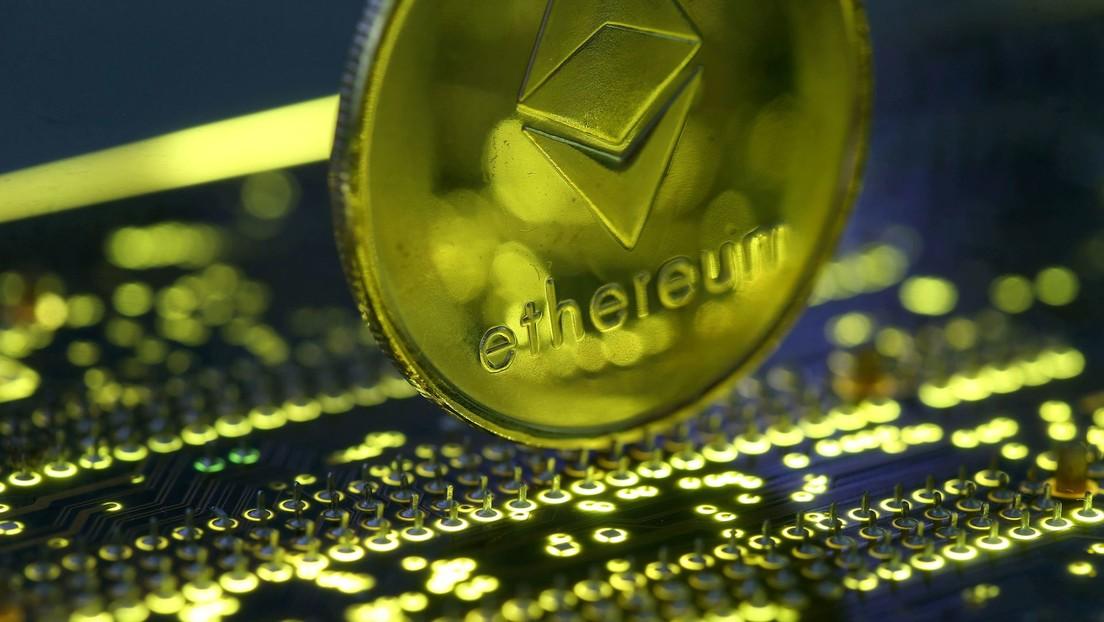 La criptomoneda Ethereum supera los 4.380 dólares y alcanza su máximo histórico