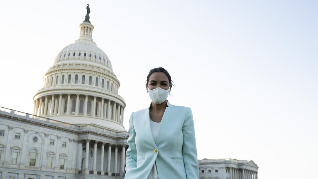 """La congresista Alexandria Ocasio-Cortez acusa a Biden de """"tomar el lado de la ocupación"""" en Palestina"""