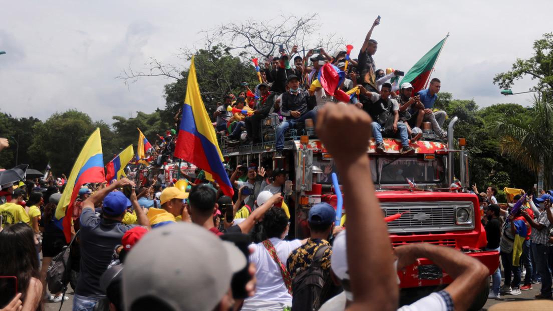 Por qué los paramilitares se han convertido en uno de los protagonistas de las protestas en Colombia