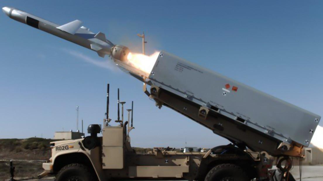 Marines de EE.UU. hunden un barco en la primera prueba de un misil lanzado desde un vehículo terrestre no tripulado
