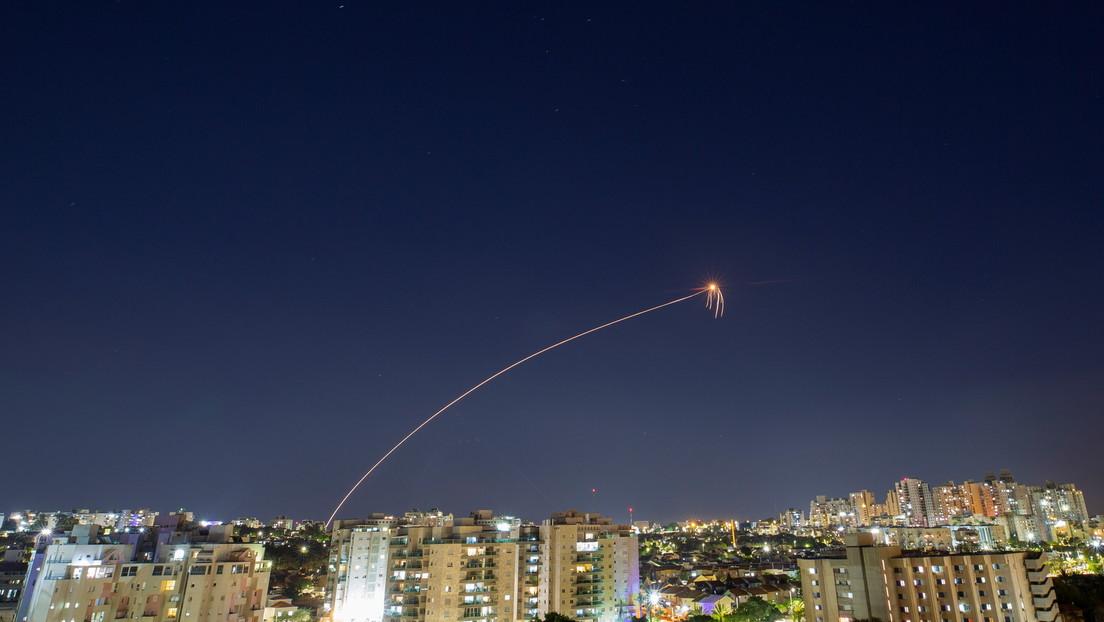 FOTO: Las Fuerzas de Defensa de Israel muestran en acción su Cúpula de Hierro ante una nueva andanada de cohetes desde Gaza