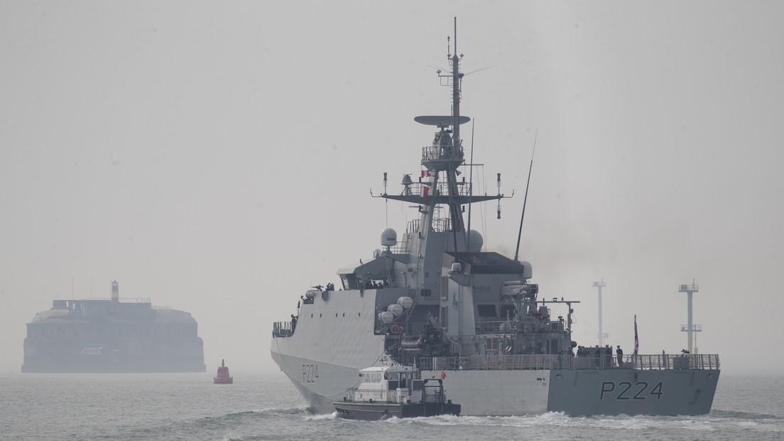 La Armada de Rusia vigila el patrullero Trent de la Armada británica tras su entrada en aguas del mar Negro