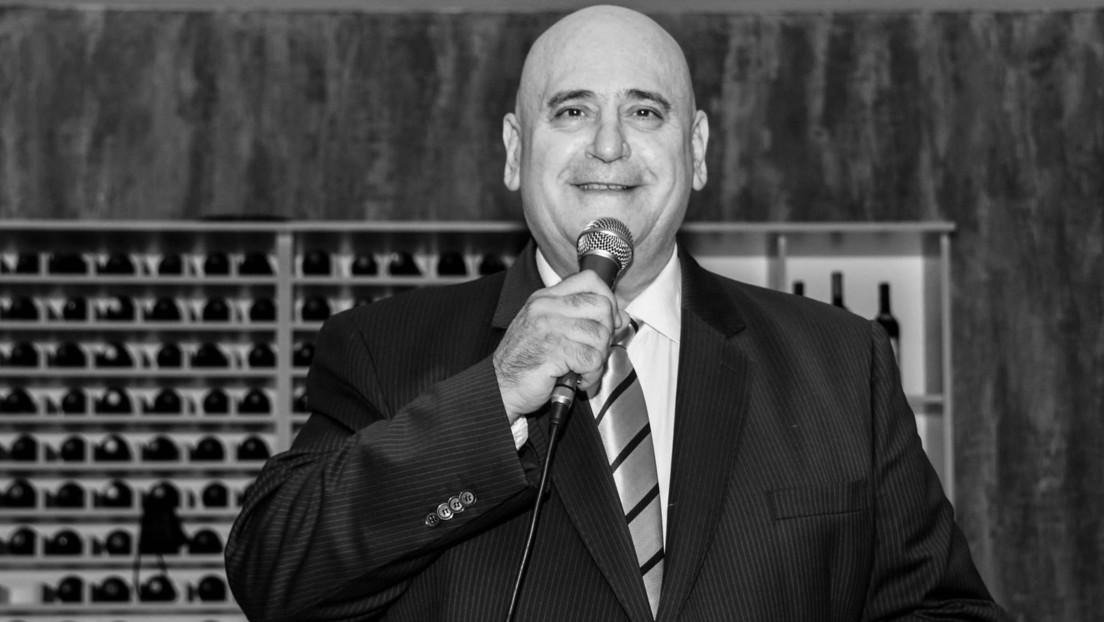 Muere por covid-19 el tenor argentino que cantaba desde su balcón para entretener a los vecinos durante el confinamiento