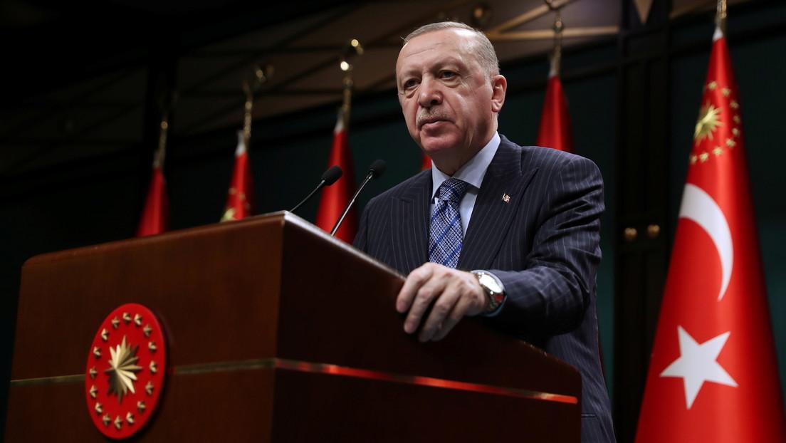 """""""Maldigo al Estado austriaco"""": Erdogan condena a Viena por haber izado la bandera de Israel en el techo de la Cancillería Federal"""