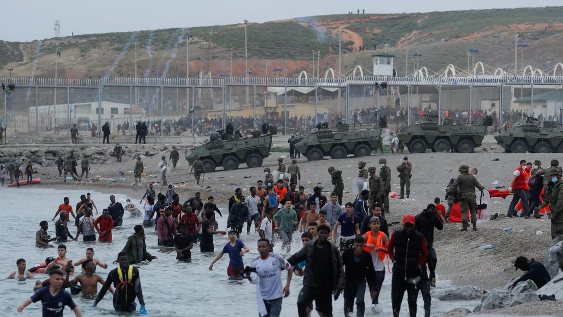 Crisis migratoria y humanitaria: España despliega al Ejército en Ceuta ante la llegada de más de 8.000 migrantes desde Marruecos