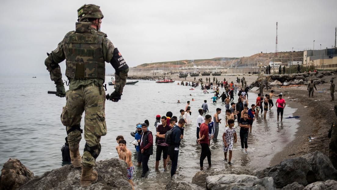 """La embajadora de Marruecos advierte a España tras la llegada masiva de migrantes: """"Hay actos que tienen consecuencias y se tienen que asumir"""""""
