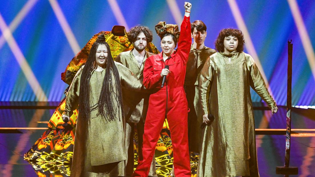 Manizha, representante de Rusia en Eurovisión con una canción feminista que generó polémica en el país, se clasifica para la final
