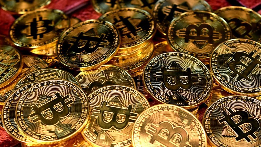 El bitcóin se desploma por debajo de los 33.000 dólares (y sigue bajando)