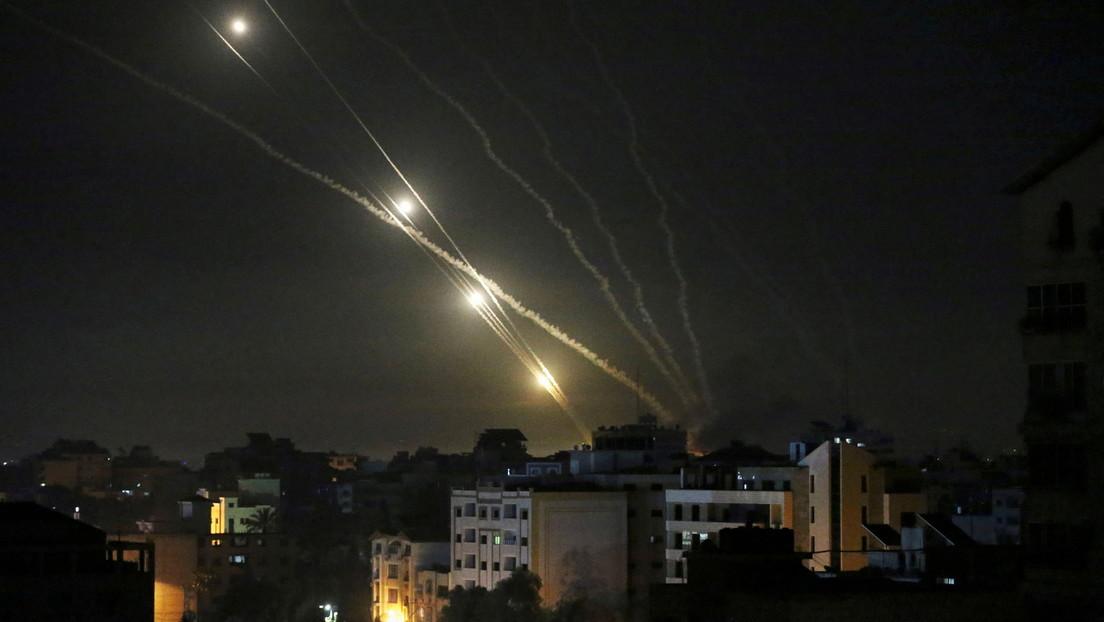 """Continúan las confrontaciones entre Israel y la Franja de Gaza mientras desde Hamás esperan que se alcance un alto el fuego """"dentro de uno o dos días"""""""