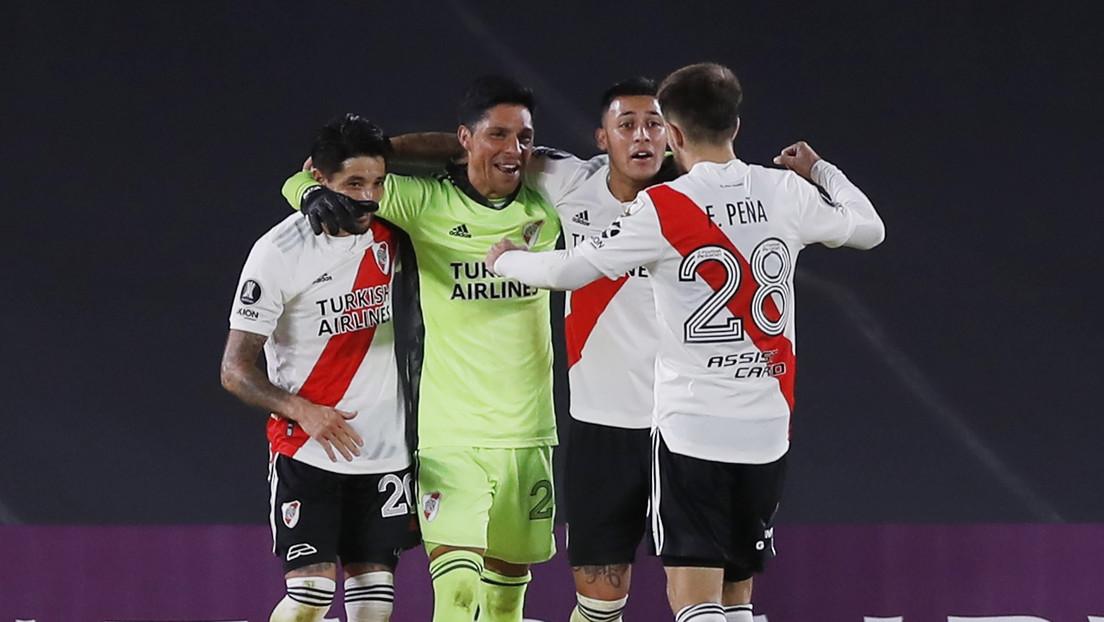 Partido memorable: con un mediocampista de portero y sin suplentes, River Plate vence a Santa Fe en la Copa Libertadores