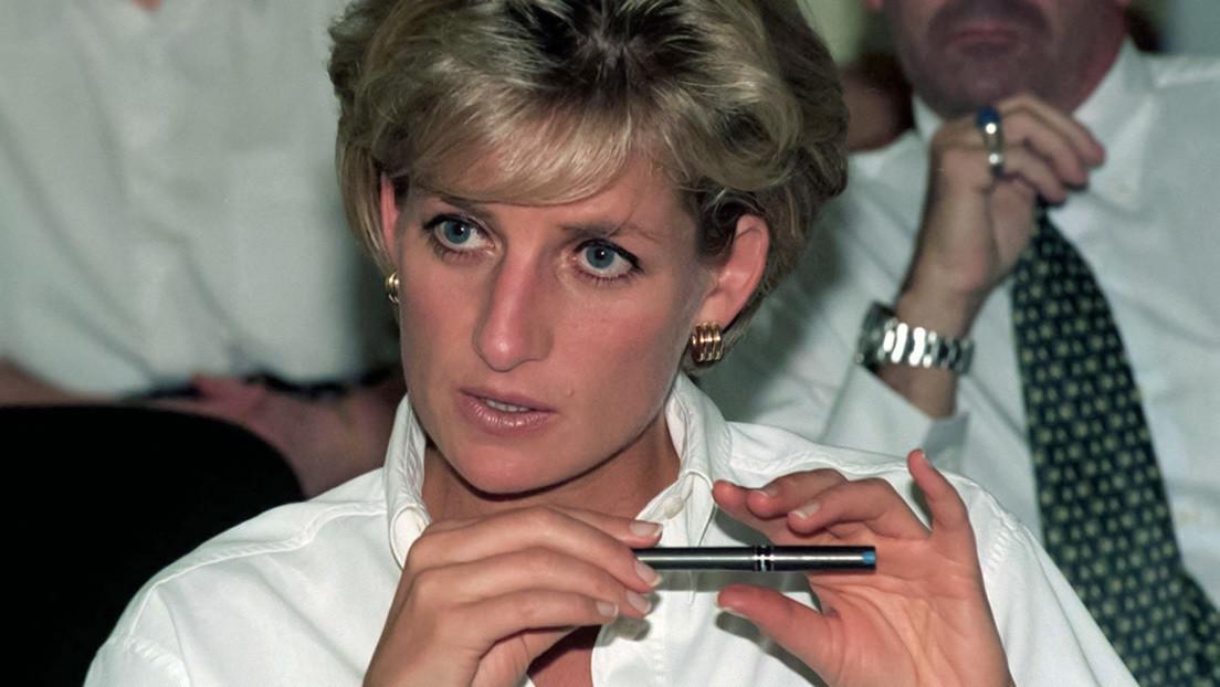 """""""Nuestra madre perdió la vida por culpa de esto"""": Los príncipes Guillermo y Enrique critican a la BBC por la 'engañosa' entrevista a Diana de Gales"""