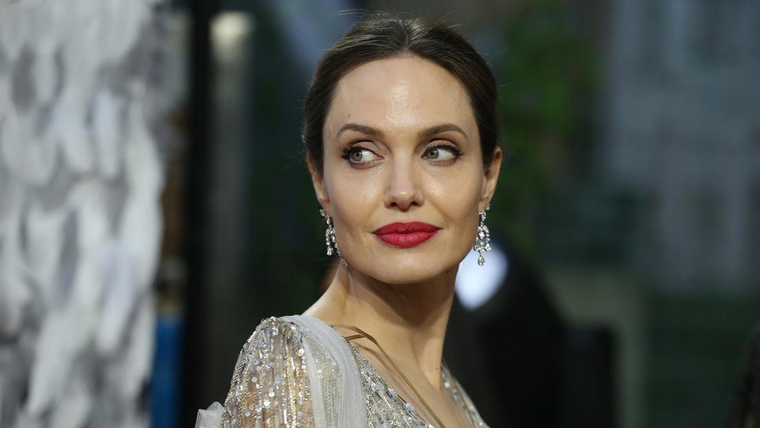 Angelina Jolie pasa 18 minutos cubierta de abejas para concienciar sobre esos animales (IMÁGENES)