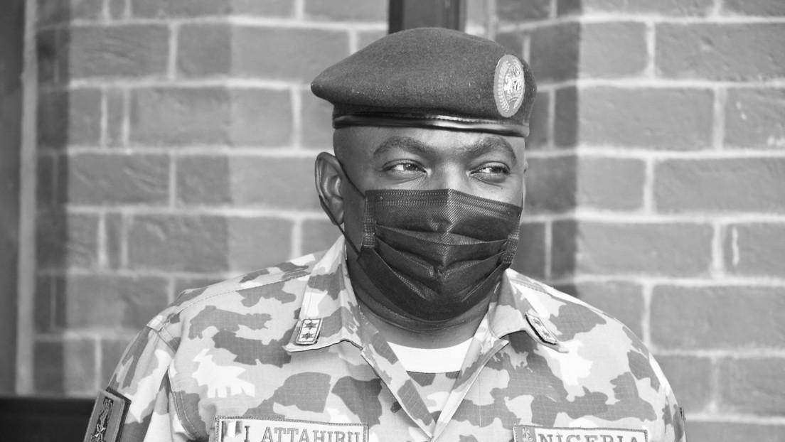 Fallece en un accidente aéreo el máximo comandante del Ejercito de Nigeria