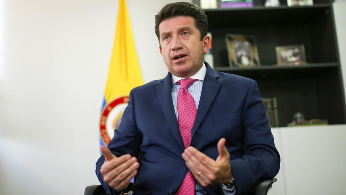 Ministro de Defensa colombiano acusa a Rusia de ciberataques para avivar la violencia durante protestas y la Embajada rusa le responde
