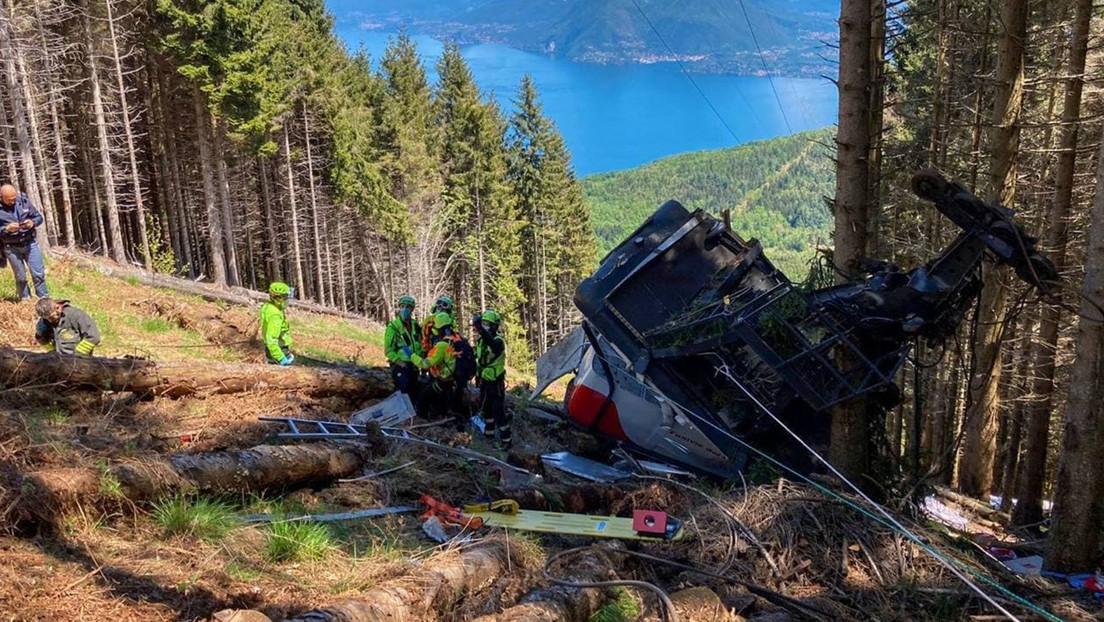 14 muertos por la caída de un teleférico en los Alpes italianos