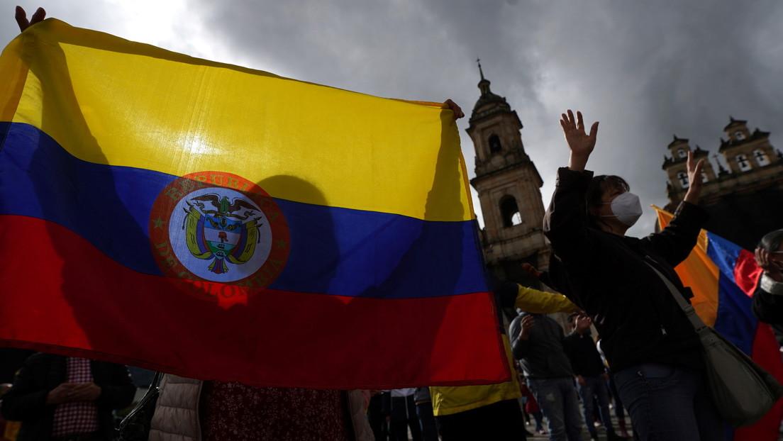 """El papa Francisco pide evitar """"conductas perjudiciales"""" contra manifestantes pacíficos mientras Colombia vive una nueva jornada de protestas"""