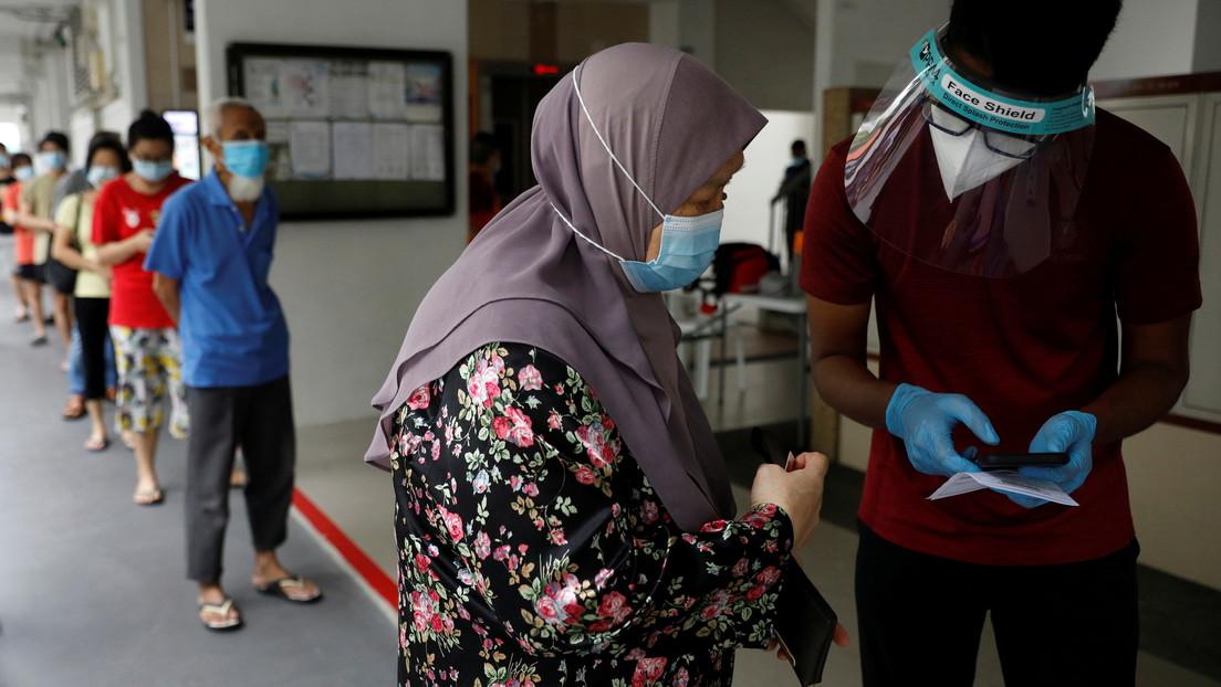 Singapur aprueba el uso provisional de un test de aliento que detecta el covid-19 en un minuto
