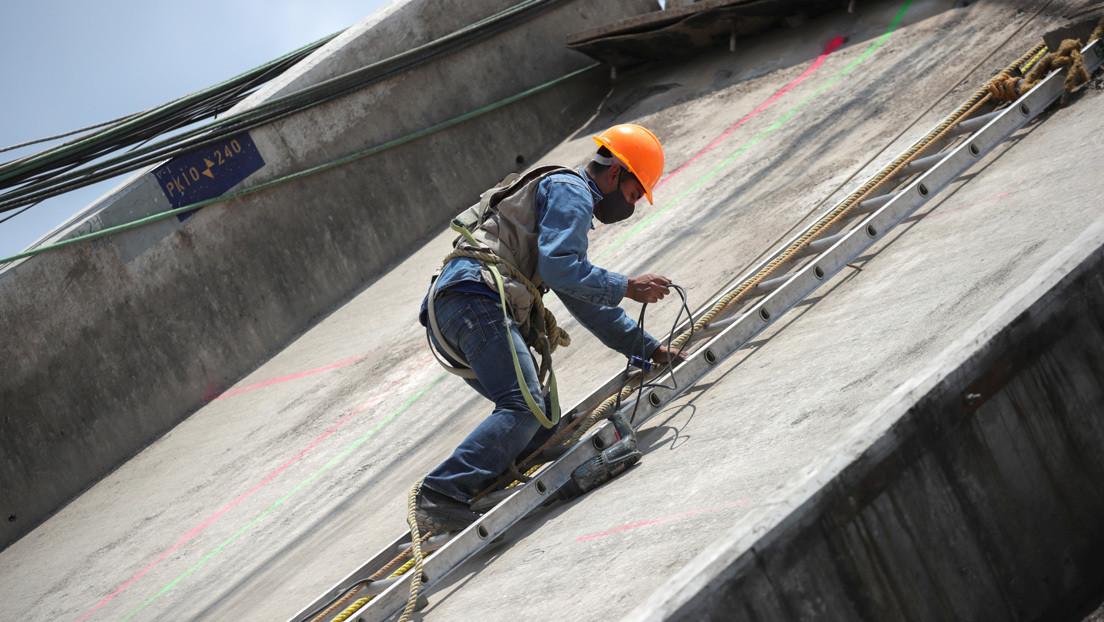 Casi dos tercios de los trabajadores mexicanos tienen ingresos inferiores a dos salarios mínimos
