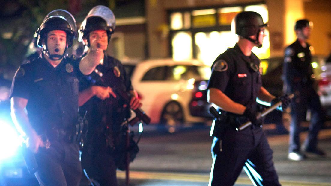 VIDEOS: 150 arrestos en una multitudinaria fiesta en EE.UU. luego de que una invitación se hiciera viral en TikTok