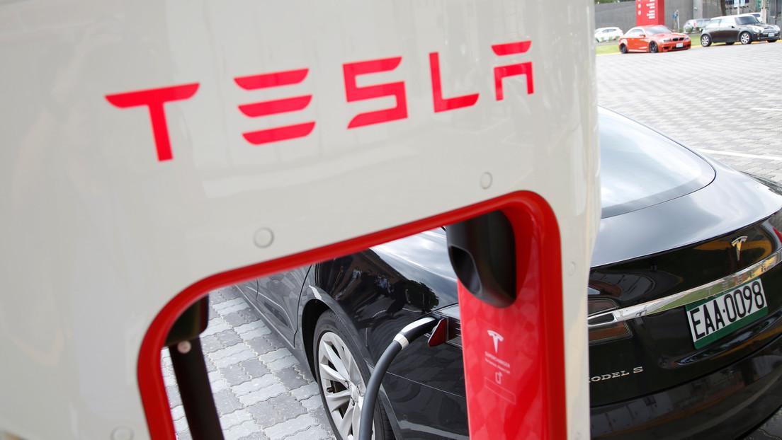 Noruega obliga a Tesla a pagar 16.000 dólares a cada demandante por reducir la autonomía y velocidad de carga de sus autos
