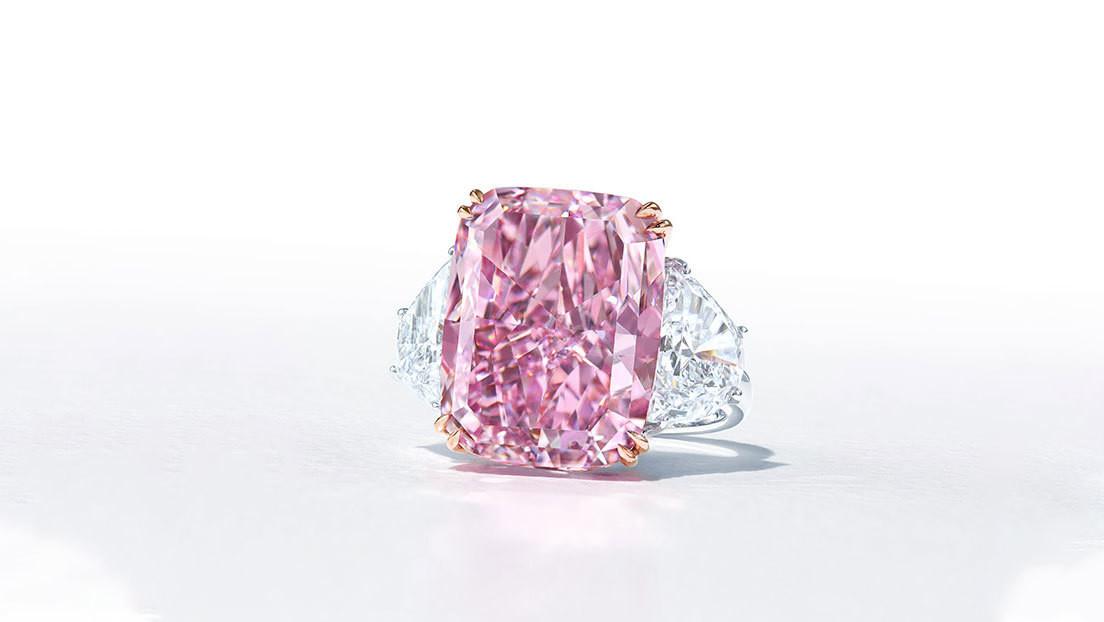 Venden por más de 29 millones de dólares 'el Sakura', el diamante rosa púrpura más grande jamás subastado