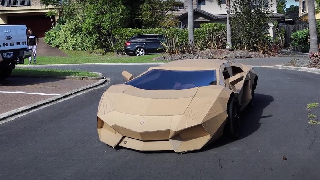 Un 'youtuber' crea un Lamborghini de cartón, lo vende por más de 7.000 dólares y dona el dinero a un hospital para niños (VIDEO)