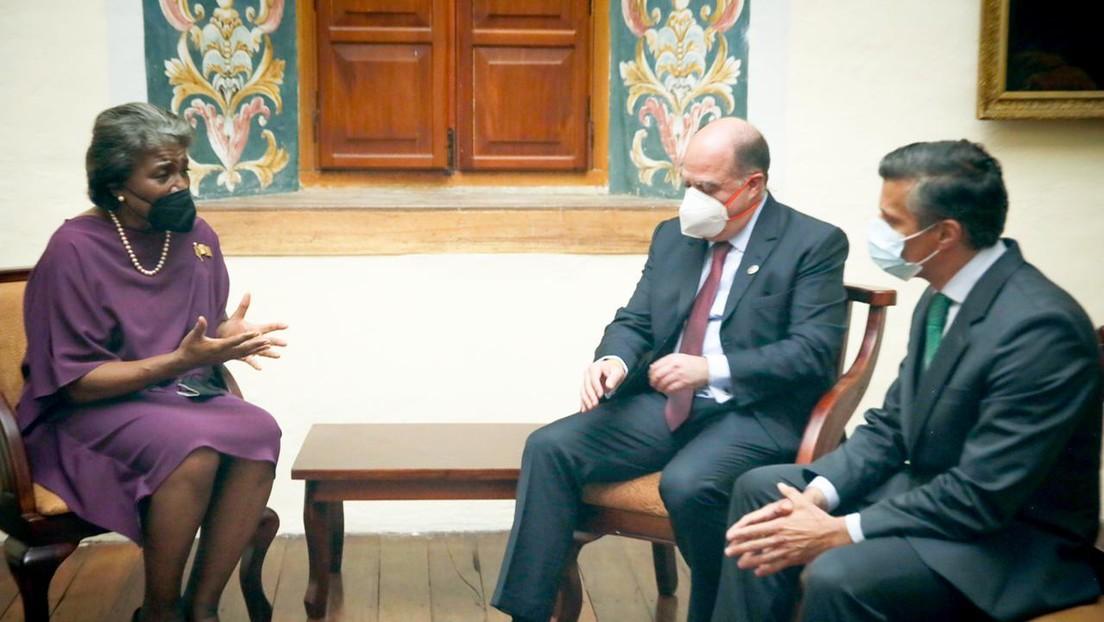 """Embajadora de EE.UU. dice que apoyaría una """"solución negociada"""" a la situación en Venezuela tras reunirse con opositores en Ecuador"""