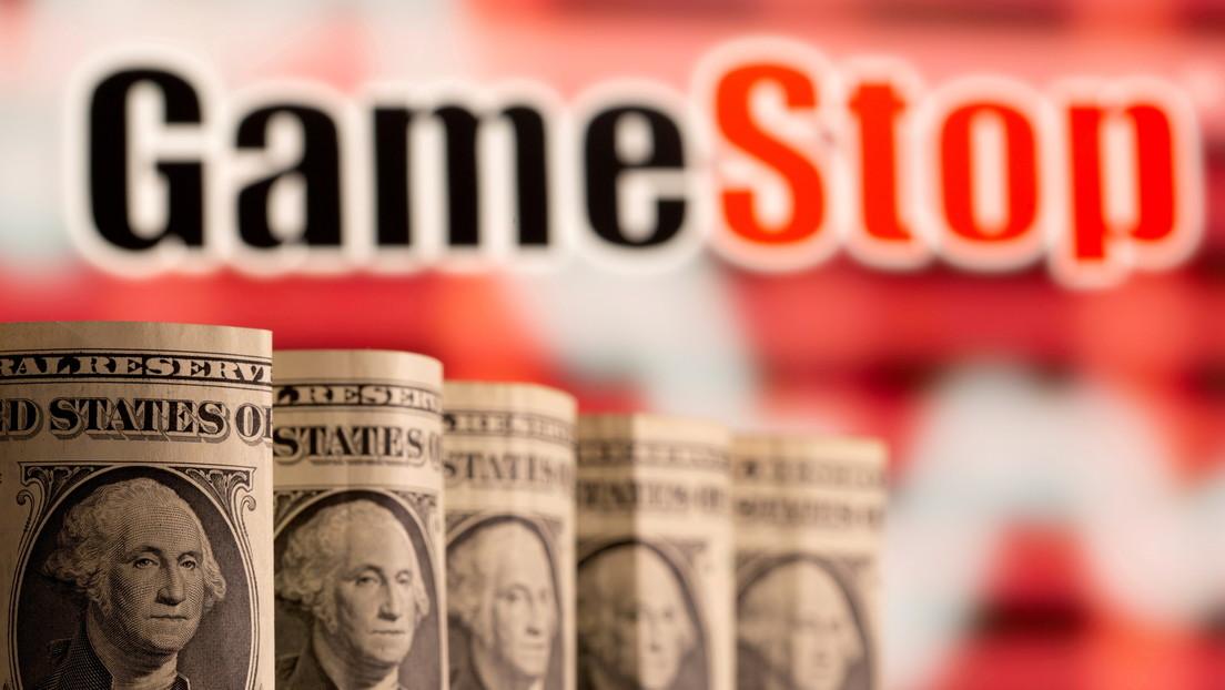 Reddit forum investors 'raid' again GameStop and AMC, causing million-dollar losses to bears in one day