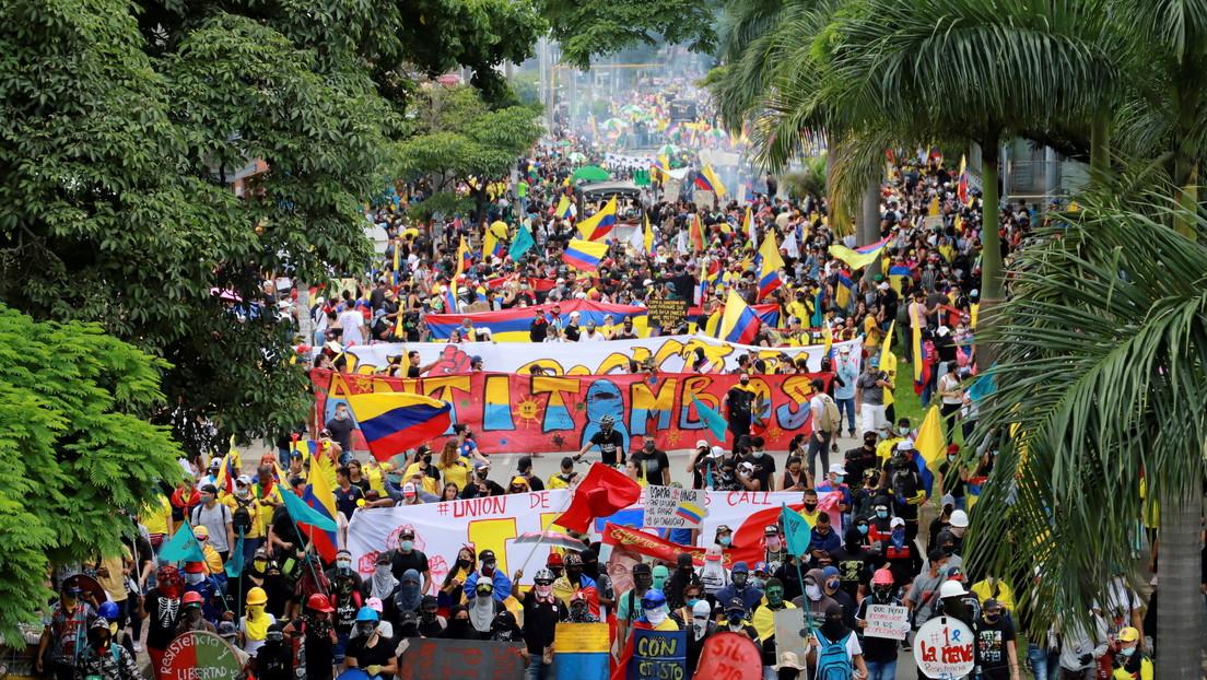 Colombia registra al menos cuatro nuevas muertes en otra violenta jornada de protestas, al cumplirse un mes del estallido social
