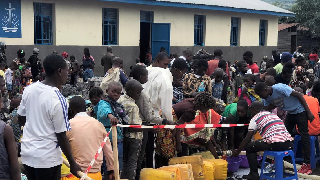 Advierten sobre el riesgo de un brote de cólera entre los desplazados por la erupción de uno de los volcanes más activos de África