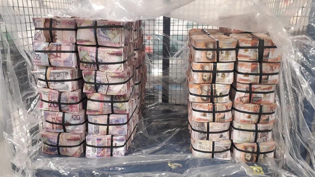 """""""No sabían qué hacer con el dinero"""": condenan a prisión a tres hombres tras incautarles una cantidad récord de efectivo en Londres"""